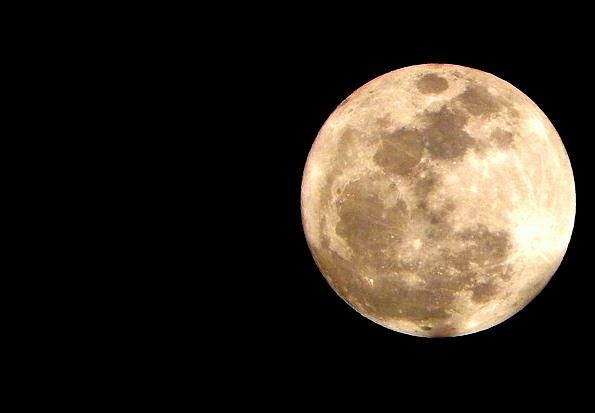 moon-274879_640