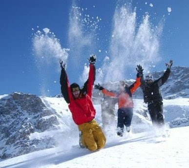 people-throwing-snow-cocaine-skiiers